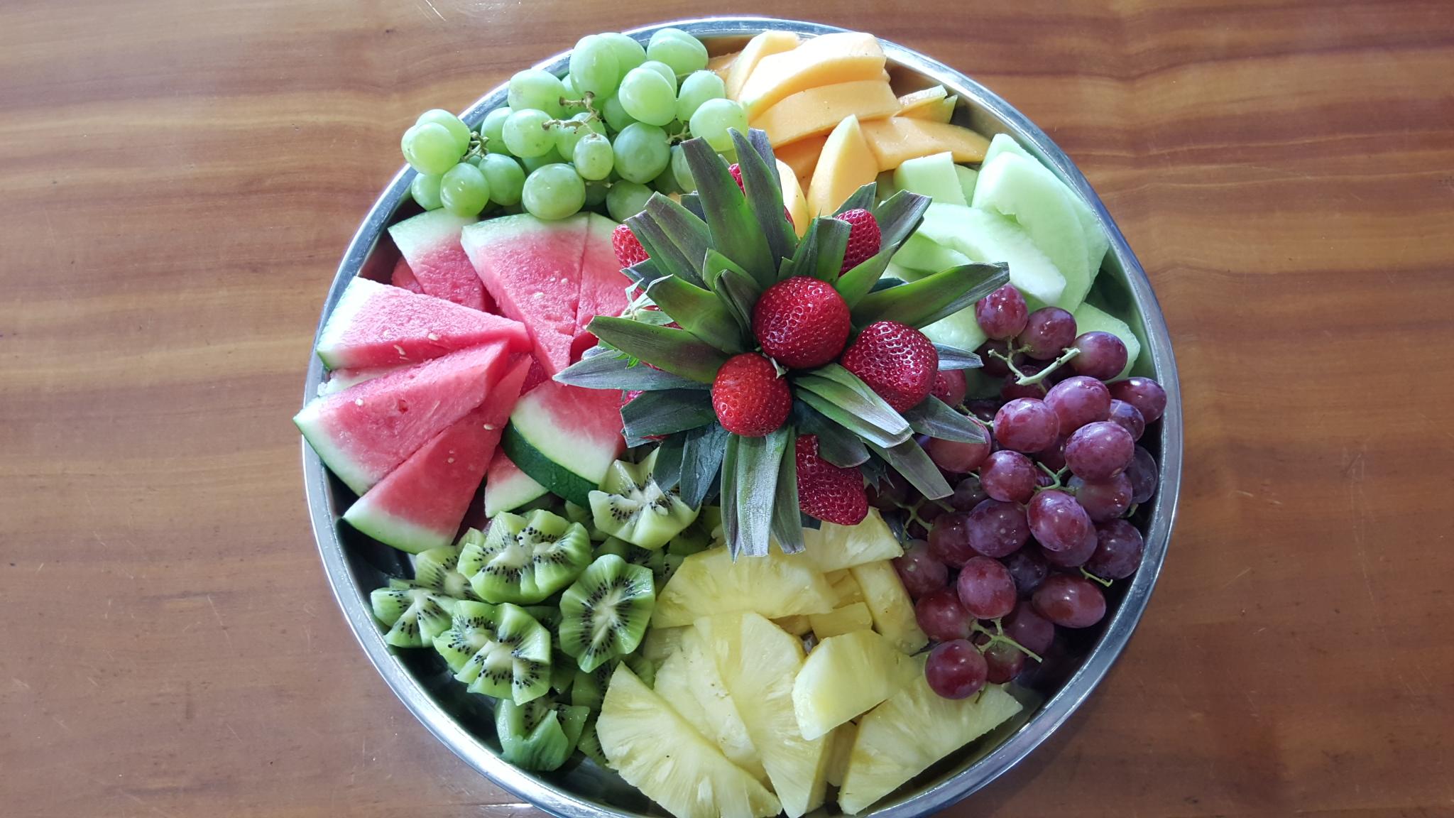 Deluxe Tropical Fruit Platter