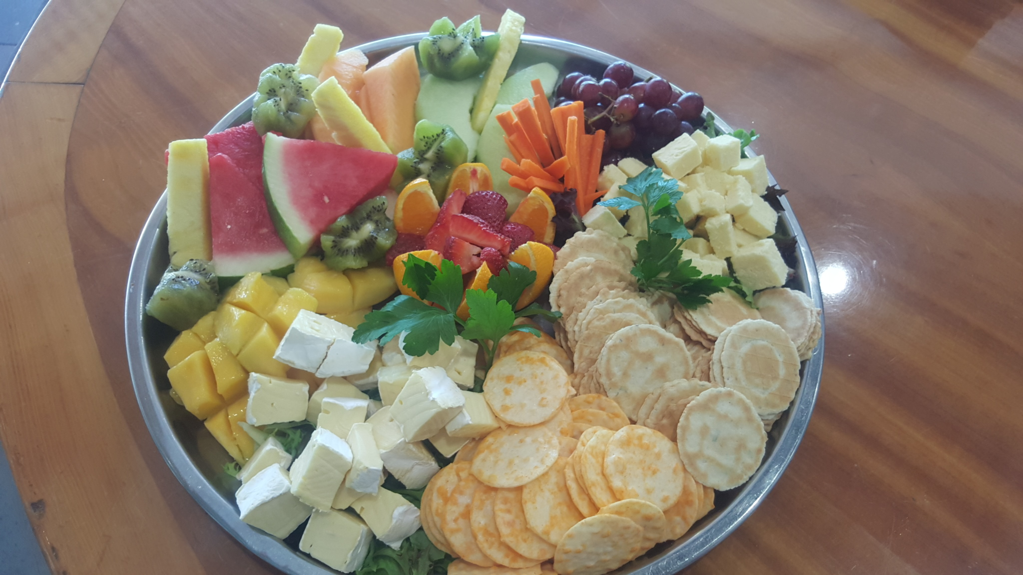 Fruits, Cheese & Crackers Platter
