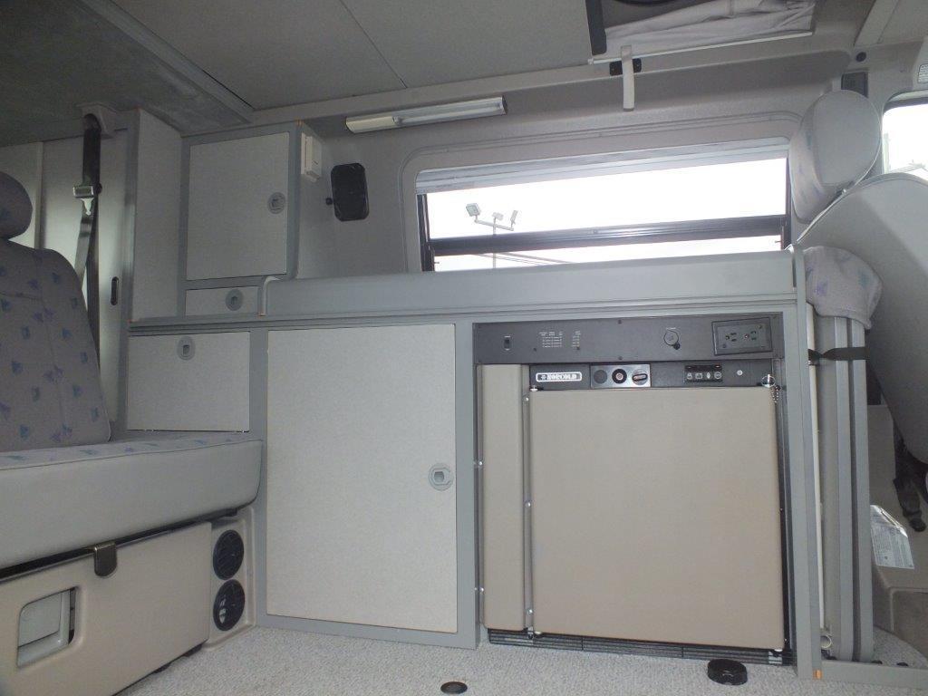 seller-99+eurovan+camper+sides++interior+only+005.jpg