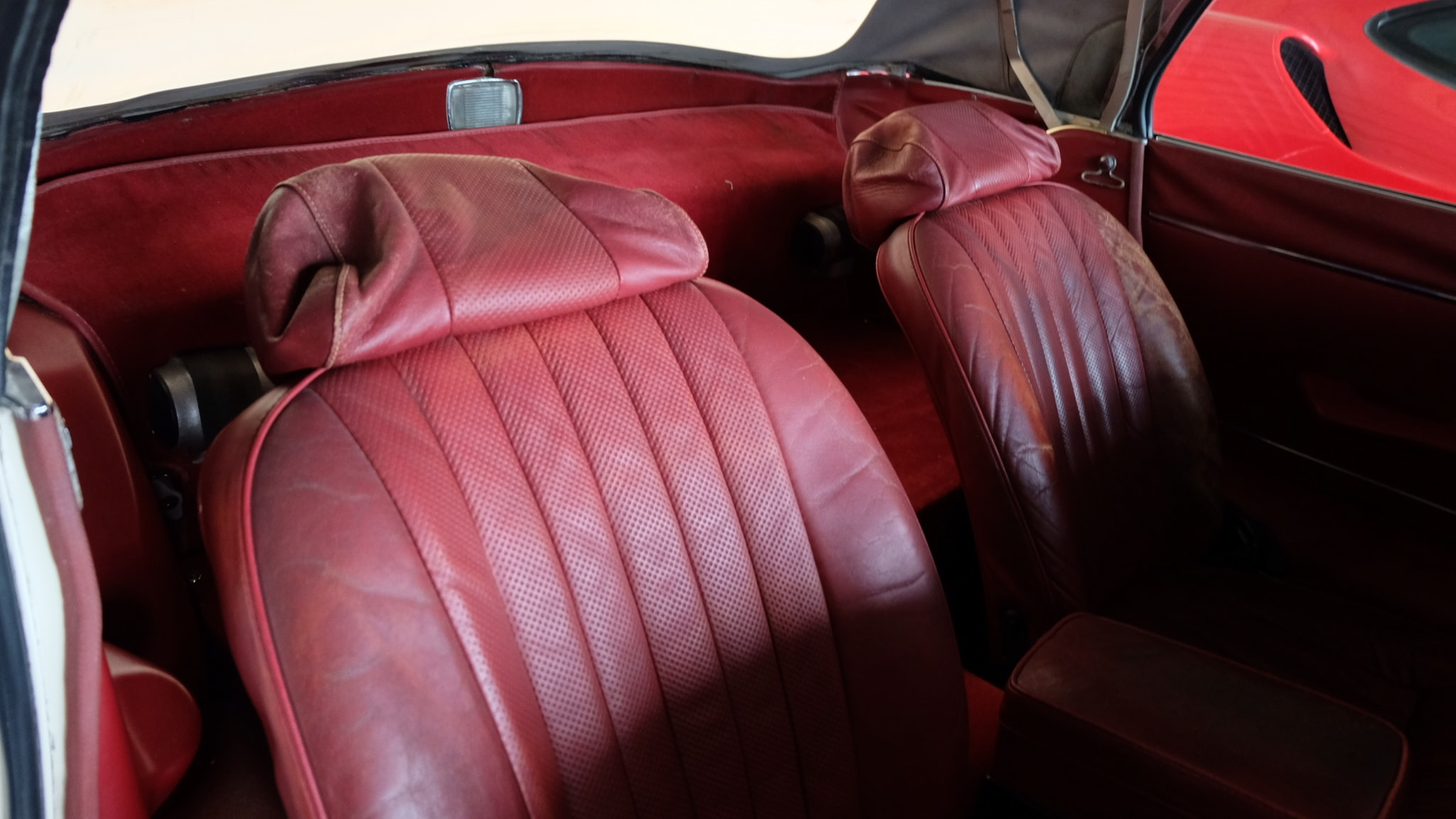 1972 Jaguar XKE Convertible Seats.jpg