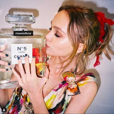 The Chanel L'Eau No. 5 campaign feature French actress/model Lily-Melody Depp