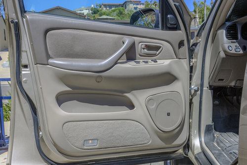 2005 Toyota Tundra DDIN and Speakers