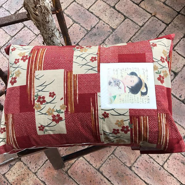 Rust coloured Japanese fabric with individually painted portraits of unknown Japanese women made into these small delightful cushions ..DM if interested & details on my website...#Japanesefabriccushions#uniqueJapanesefabricpaintedportraits#limitededitionportraits... .moirasurbanpalette.com.au #bloggeronwebsite #perthdesigner #perthbusiness #gardening #botanicals #floralarrangememts #chalkpaintedfurnitured #rusticreinventedfurniture #coastaltouch #shabbyvintagestyle #textiles #softfurnishings #interiorstyling #slowphotography #perthhandmade #sustainedliving