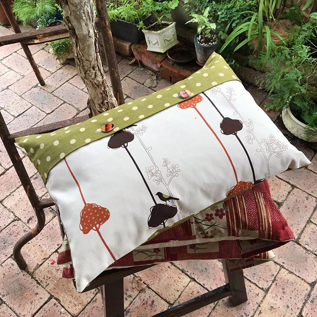 Contemporary designed bird in the trees.... complimented with Olive Green spotted fabric & hand-made buttons...DM & see details on my website..#linencottoncushion#contemorarydesigns .moirasurbanpalette.com.au #bloggeronwebsite #perthdesigner #perthbusiness #gardening #botanicals #floralarrangememts #chalkpaintedfurnitured #rusticreinventedfurniture #coastaltouch #shabbyvintagestyle #textiles #softfurnishings #interiorstyling #slowphotography #perthhandmade #sustainedliving