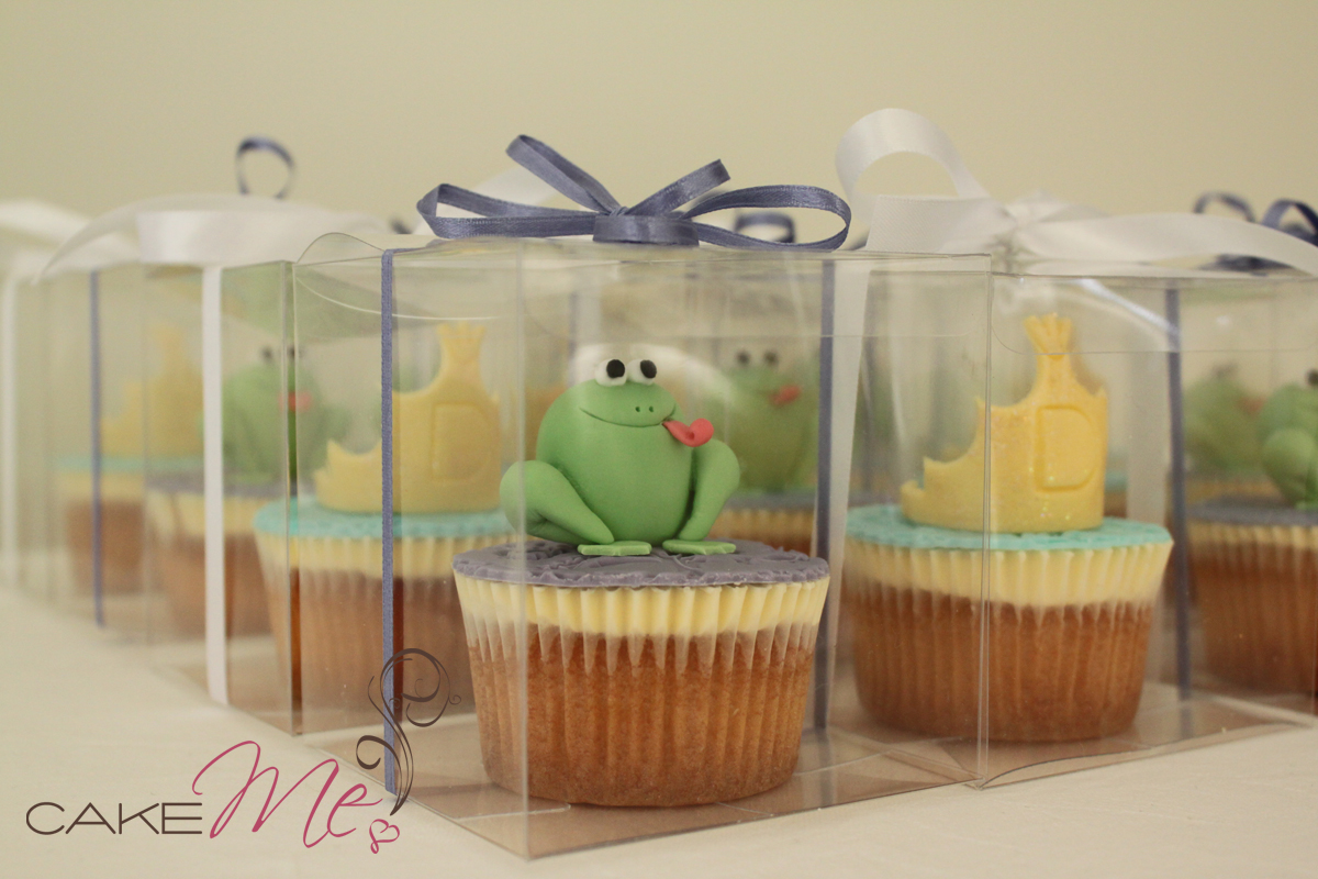 Cupcakes for Noah's mum's hens, Princess and the Frog theme