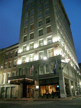 queen_crescent_hotel_new_orleans_1.jpg