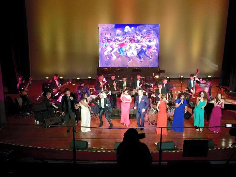 Finale number with all the participants. Photo by Moy Ortiz.