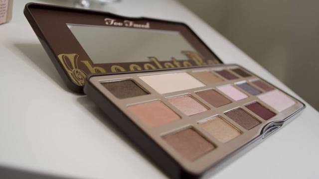 Too Faced Chocolate Bar Palette Review