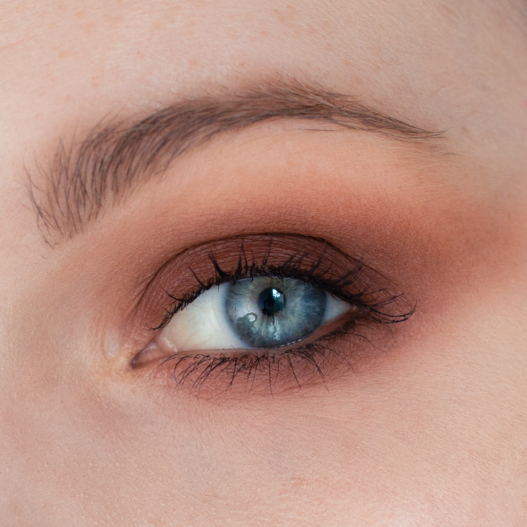 Night-Out-Glam-Warm-Step-by-Step--Eyeshadow-Tutorial-final-look-eye-no-lashes.png
