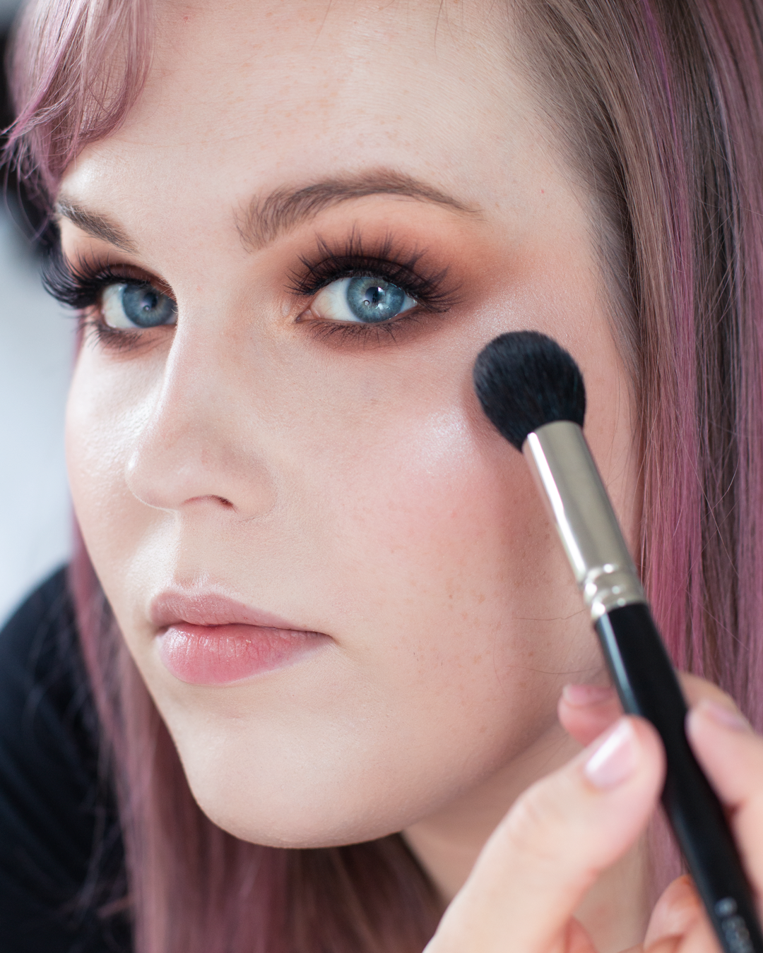 Night-Out-Glam-Warm-Step-by-Step--Eyeshadow-Tutorial-makeupgeek-luster-highlight.png