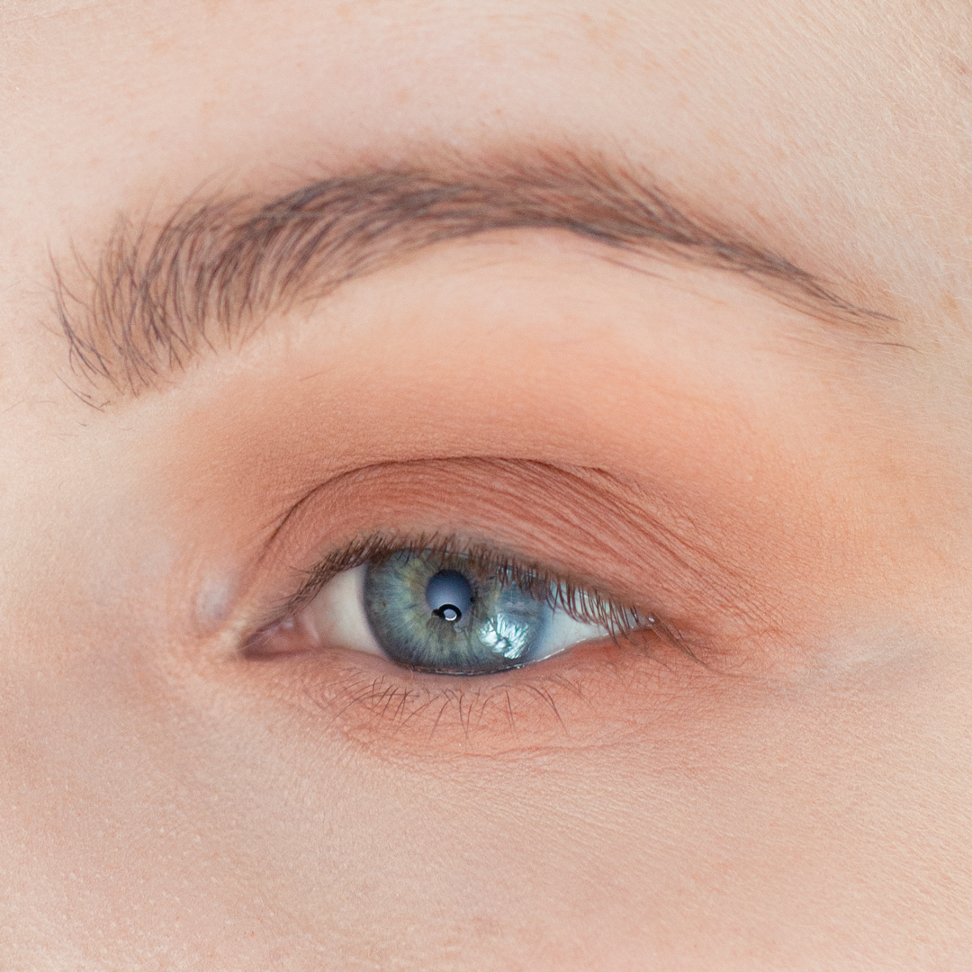 Night-Out-Glam-Warm-Step-by-Step--Eyeshadow-Tutorial-step-3.png