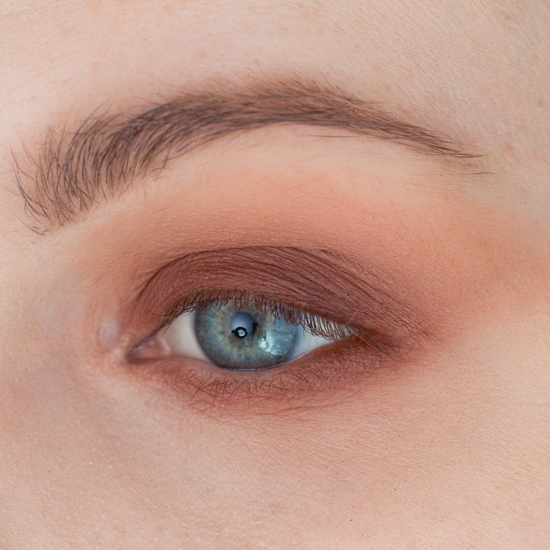Night-Out-Glam-Warm-Step-by-Step--Eyeshadow-Tutorial-step-4.png