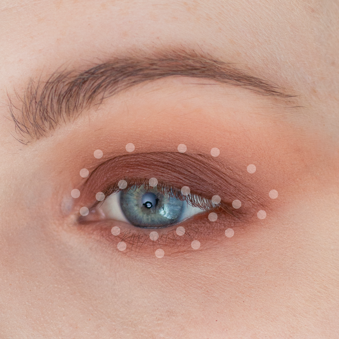 Night-Out-Glam-Warm-Step-by-Step--Eyeshadow-Tutorial-step-4dots.png