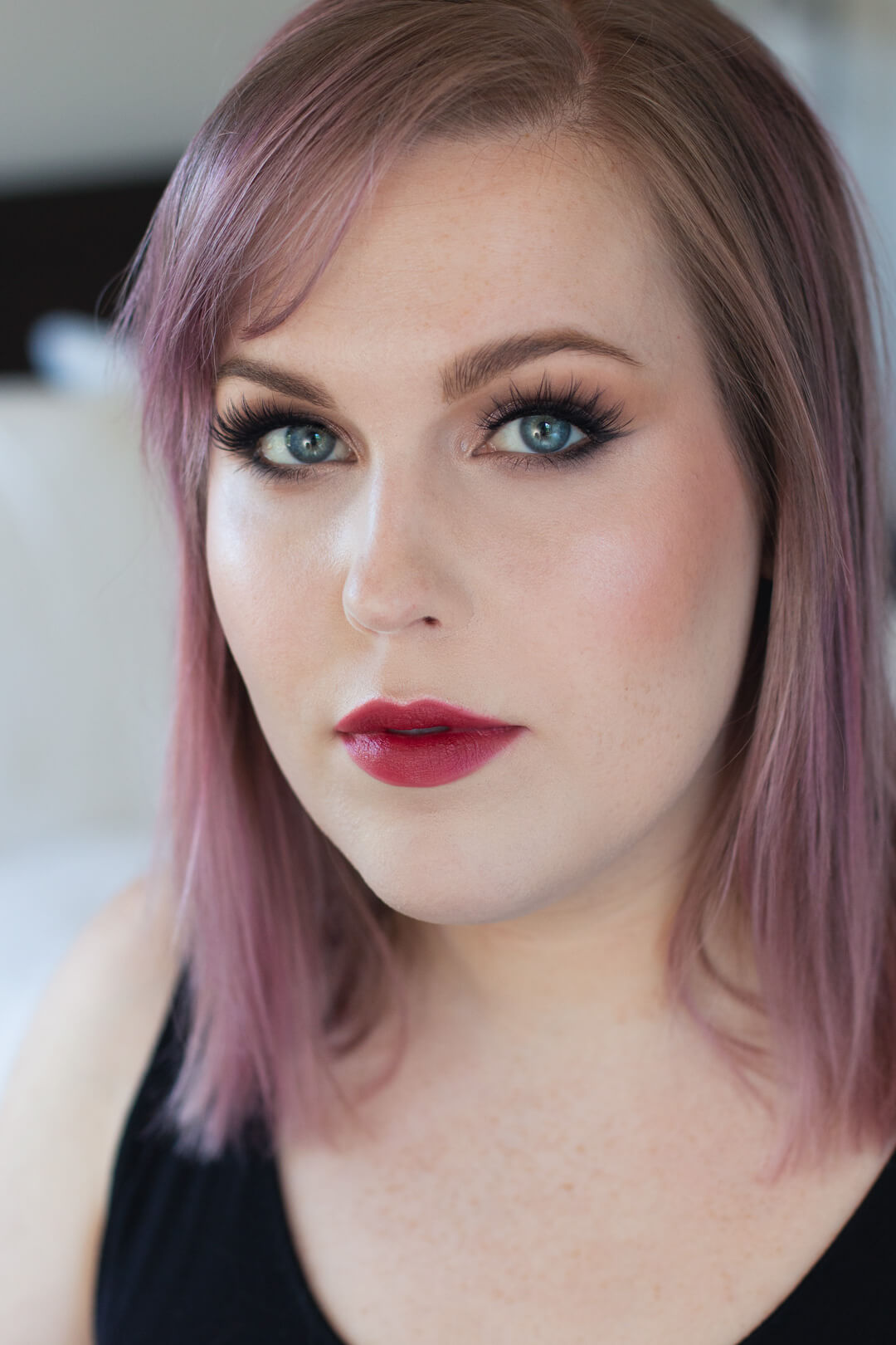 Step-by-Step-Soft-Smoky-Liner-Glamorous-Eye-shadow-Tutorial-final-look-red-lip-lash.jpg
