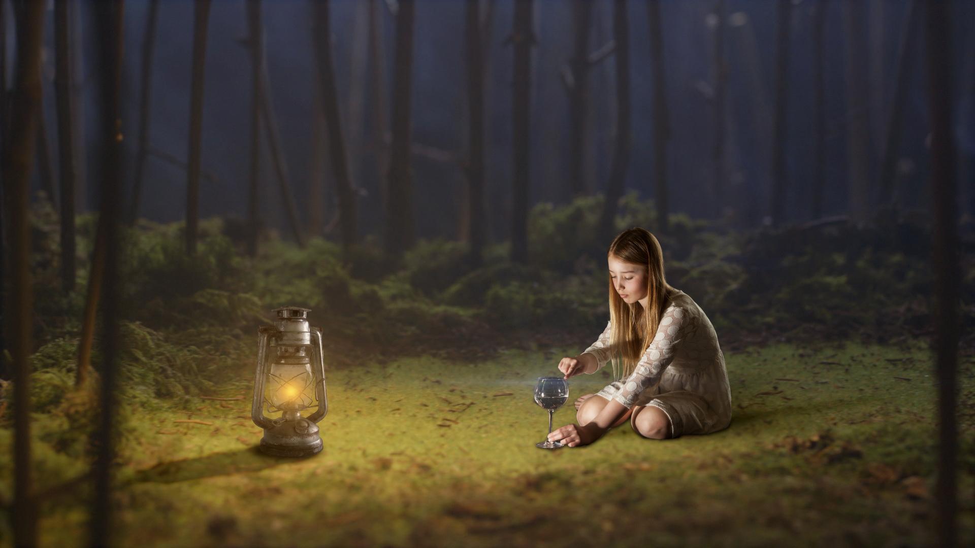 Jenta-i-skogen-v1.jpg