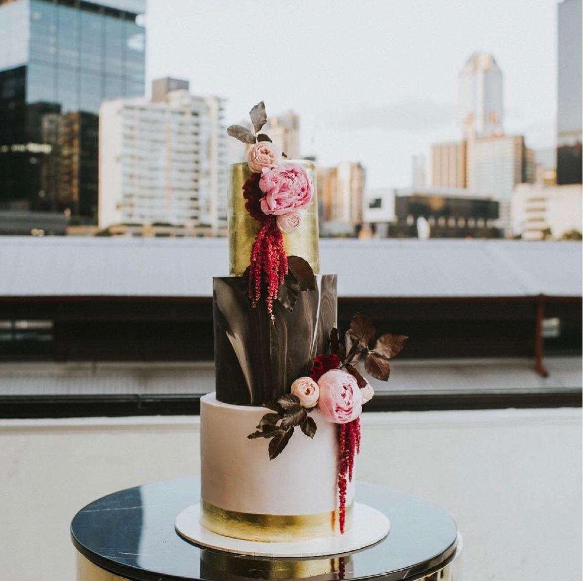 Image: Loco Photography / Cake: Sweet Bakes