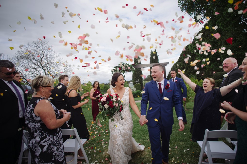 CAROLYNE + MARTY / Robert Hock Photography / Coombe Yarra Valley / Sugar Bee Flowers