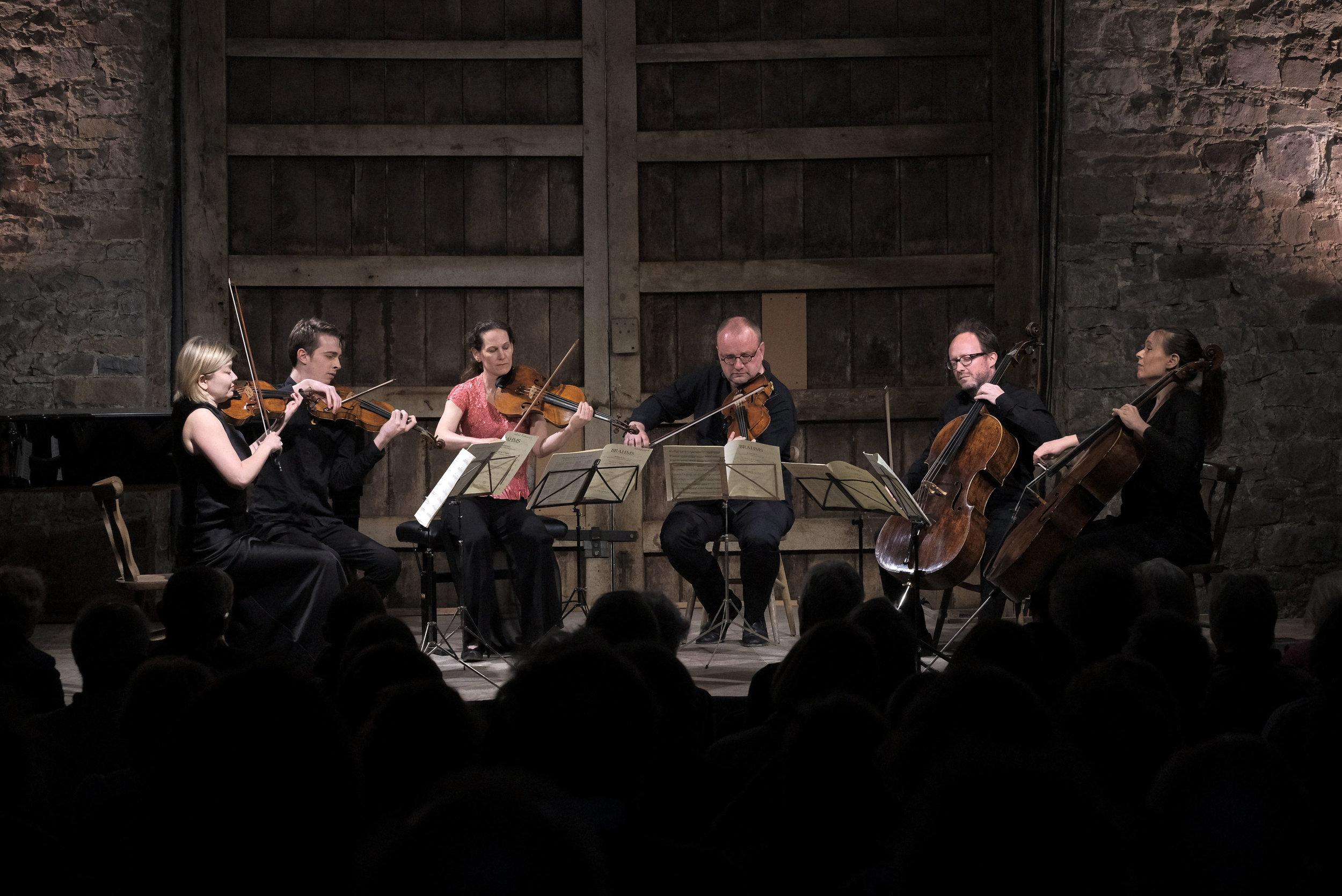 Alina Ibragimova, Tim Crawford (violons), Malin Broman, Tony Nijs (alto), Amy Norrington, Raphael Bell (violoncelle)