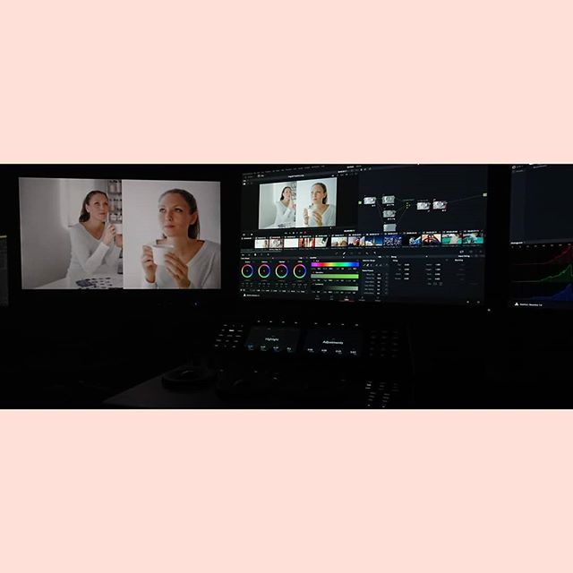 Late night session for @endemolshinegermany #grading #colour #resolve #tiredeyes #ebu601 #köln #cologne #germany #beauty #fashion #coffee #white #liftgammagain