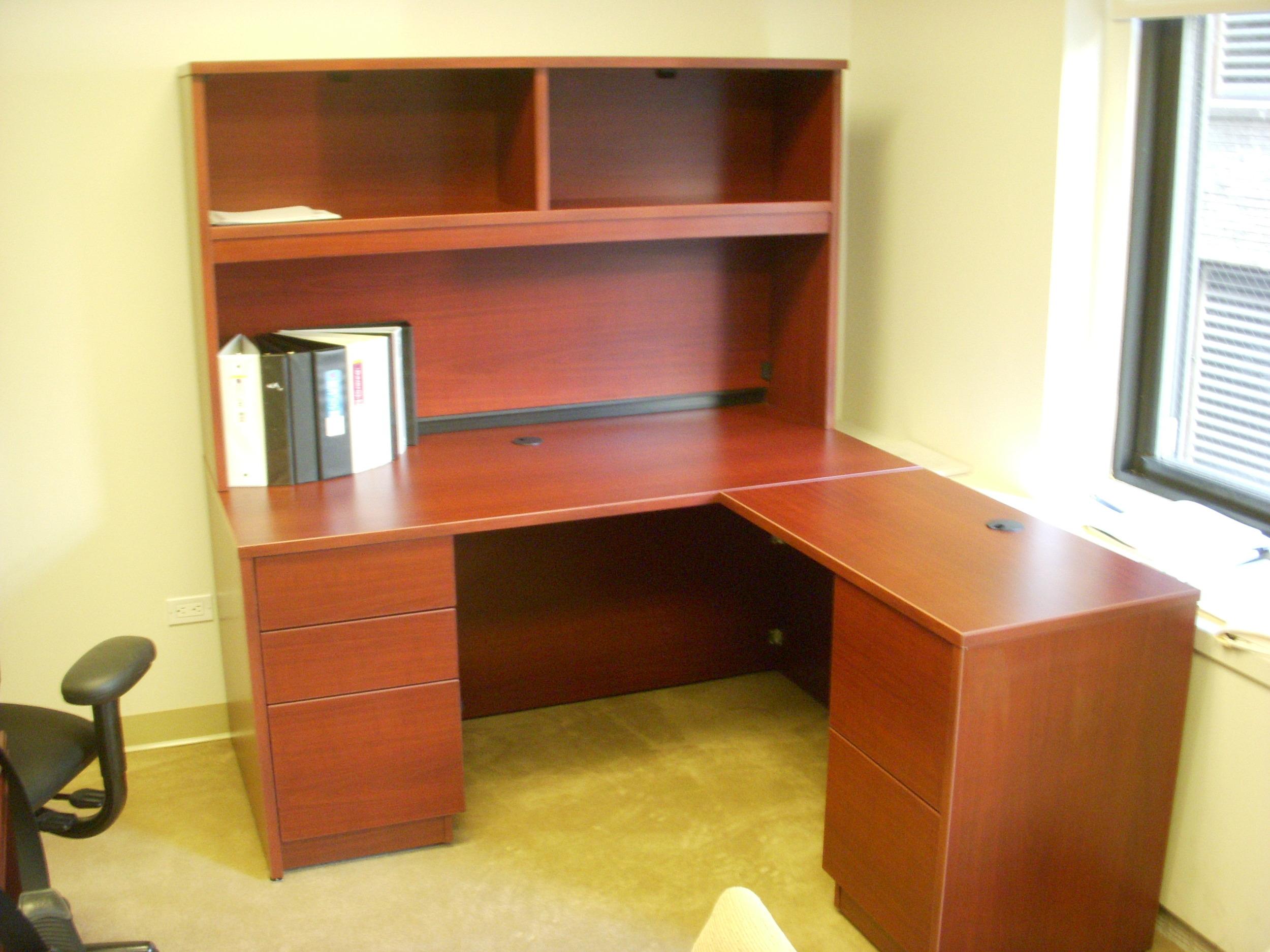 cherry desk with hutch (2).JPG