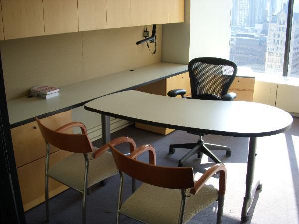 NYC_furniture_liquidation-600x450.jpg