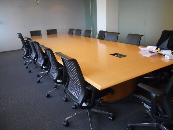 light_cherry_conference_room_table-600x450.jpg