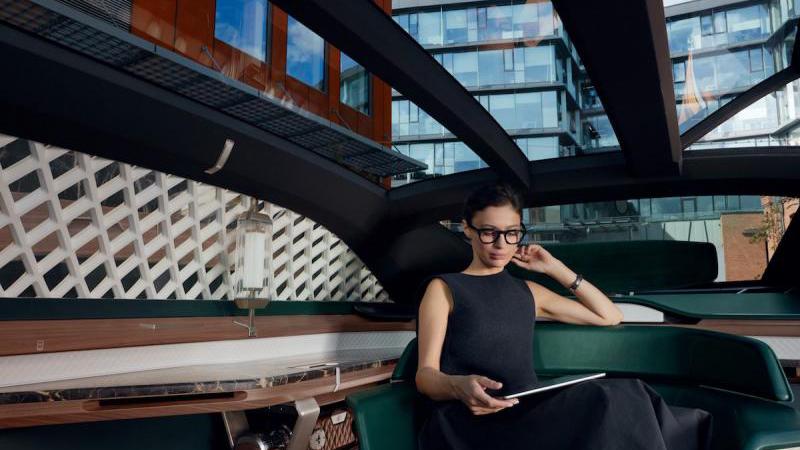 renault-ez-ultimo-_-les-photos-officielles-de-la-limousine-autonome.jpg