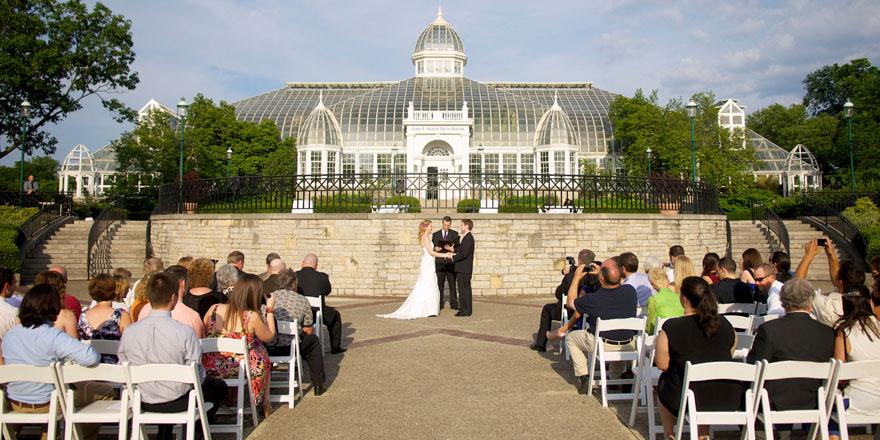 Franklin-Park-Conservatory-Wedding-Album-15.jpg