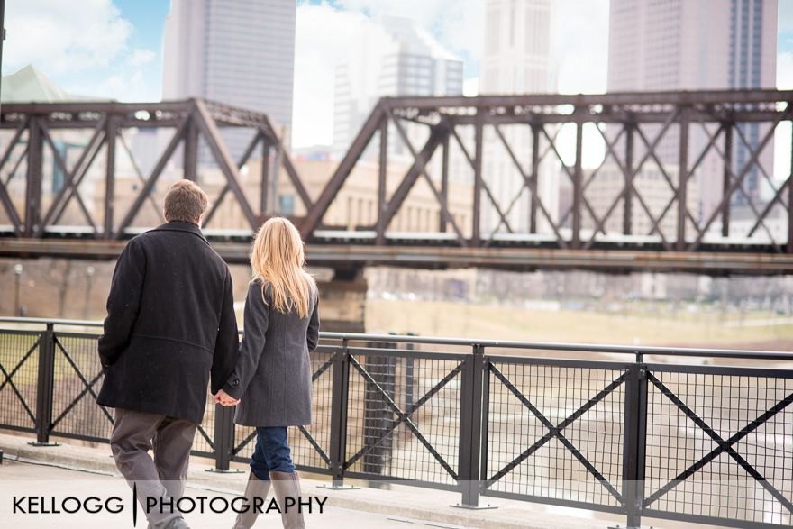 Downtown-Columbus-engagement-2.jpg