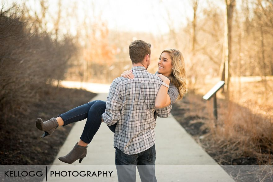 Creekside-Gahanna-engagement-11.jpg