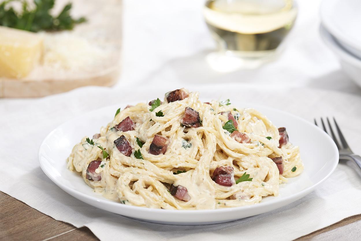 jll-photographies-Julie-Langenegger-Lachance-food-viau-fantino-mondello-recipes-recipes-inspiration-3-aldredo-pasta.jpg