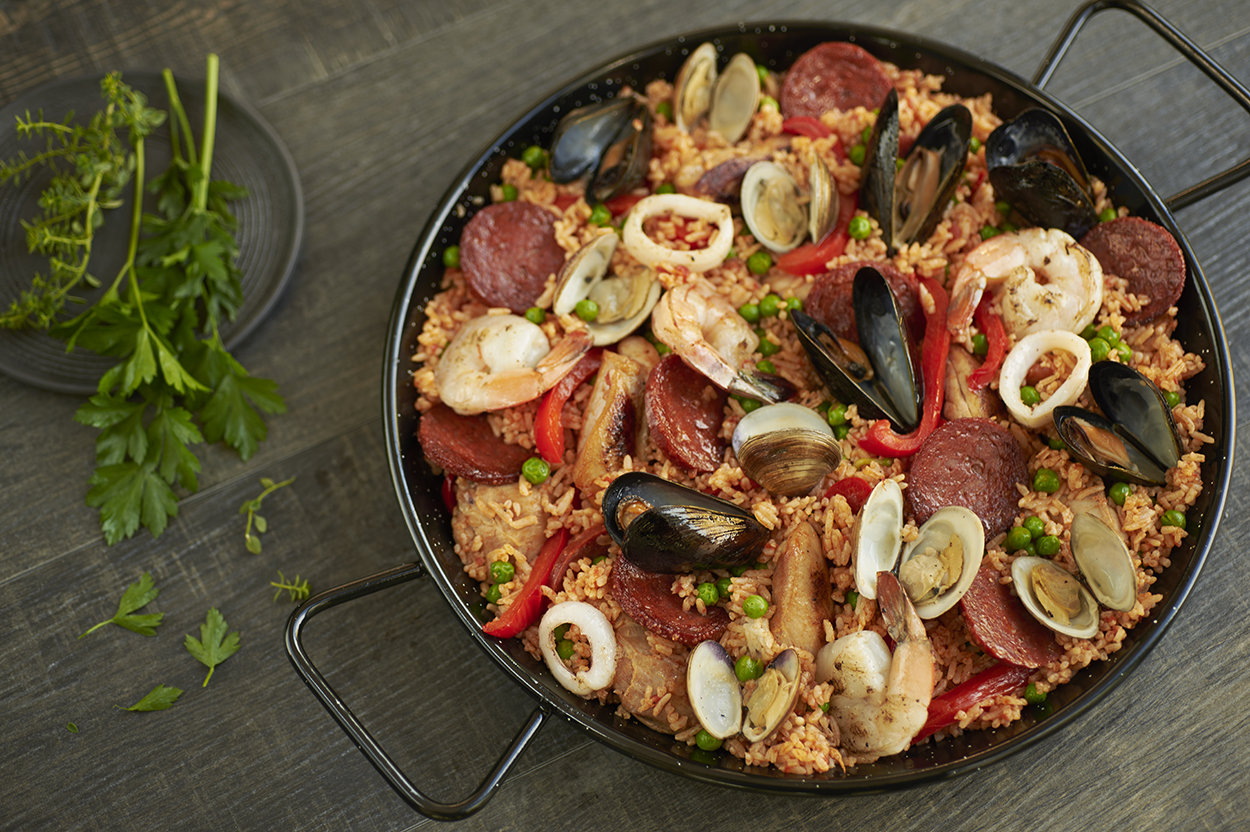jll-photographies-Julie-Langenegger-Lachance-food-viau-fantino-mondello-recipes-recipes-inspiration-4-paella.jpg