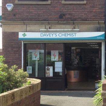 daveys_chemist_dinas_lane.jpg