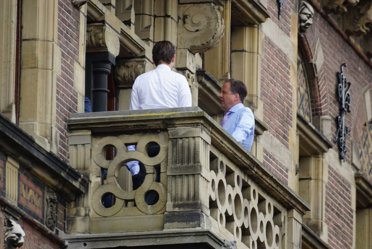 balkonscene pechtold d66.JPG