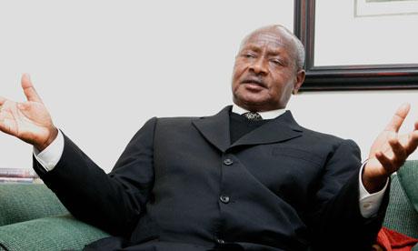 Yoweri-Museveni-006