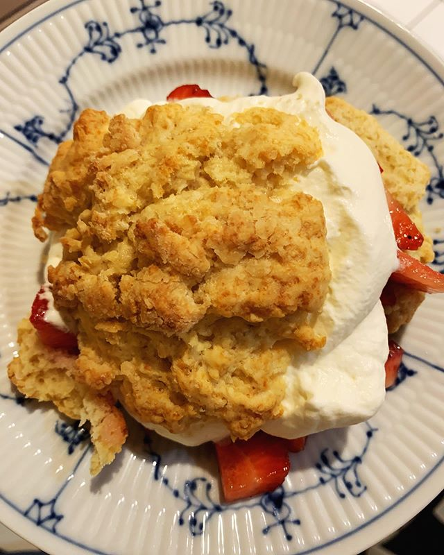 Last weekend I made the most delicious 🍓 shortcakes using a recipe I found on @foodnetwork from @chefmarynolan - and oh my god they were to die for! What's your favorite spring dessert??