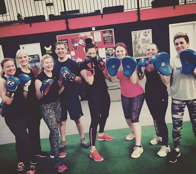 There's no better way to end the week than a STRONGBOX session on a Friday morning! .. .. Always a fun and buzzy session, guaranteed to burn hundreds of calories and the opportunity to work alongside some amazing people! .. .. Book in via the app and set that alarm! .. .. Still haven't trialled us out yet? Claim your 2 week free trial via the link in our bio today! .. .. #strongbox #strong #support #bedford #bedfordshire #advice #members #clients #fitness #fatloss #gym #exercise #health #nutrition #boxing #boxer