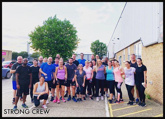 Monday STRONG 💪 CREW  Awesome full class 👌 #partnerworkout #strong #fitness #wellbeing #fitfam #teamwork #greatvibes #gohardorgohome💪  @strongprogramme @martinasharp_sportsmassage_pt