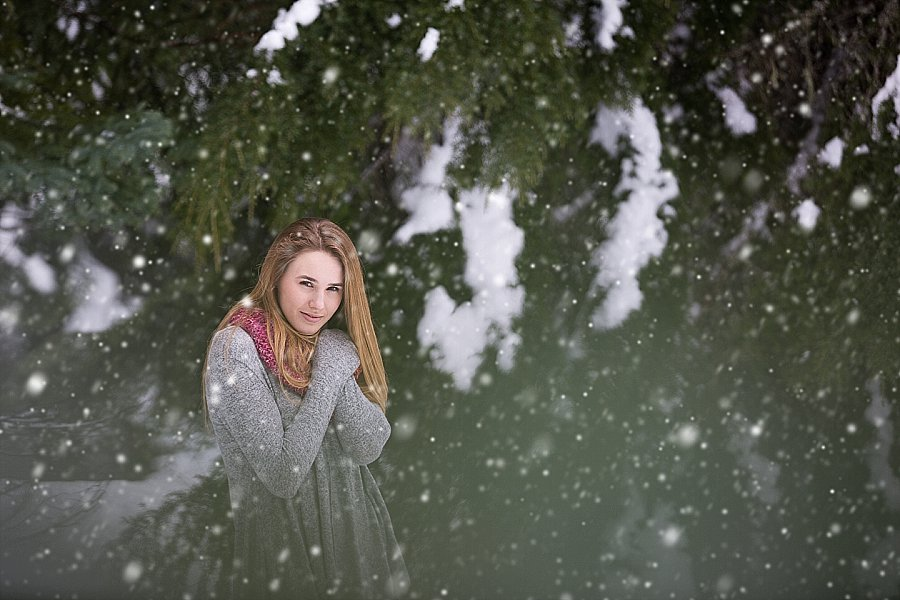 Corvallis Senior Portraits in the Snow-2-3.jpg