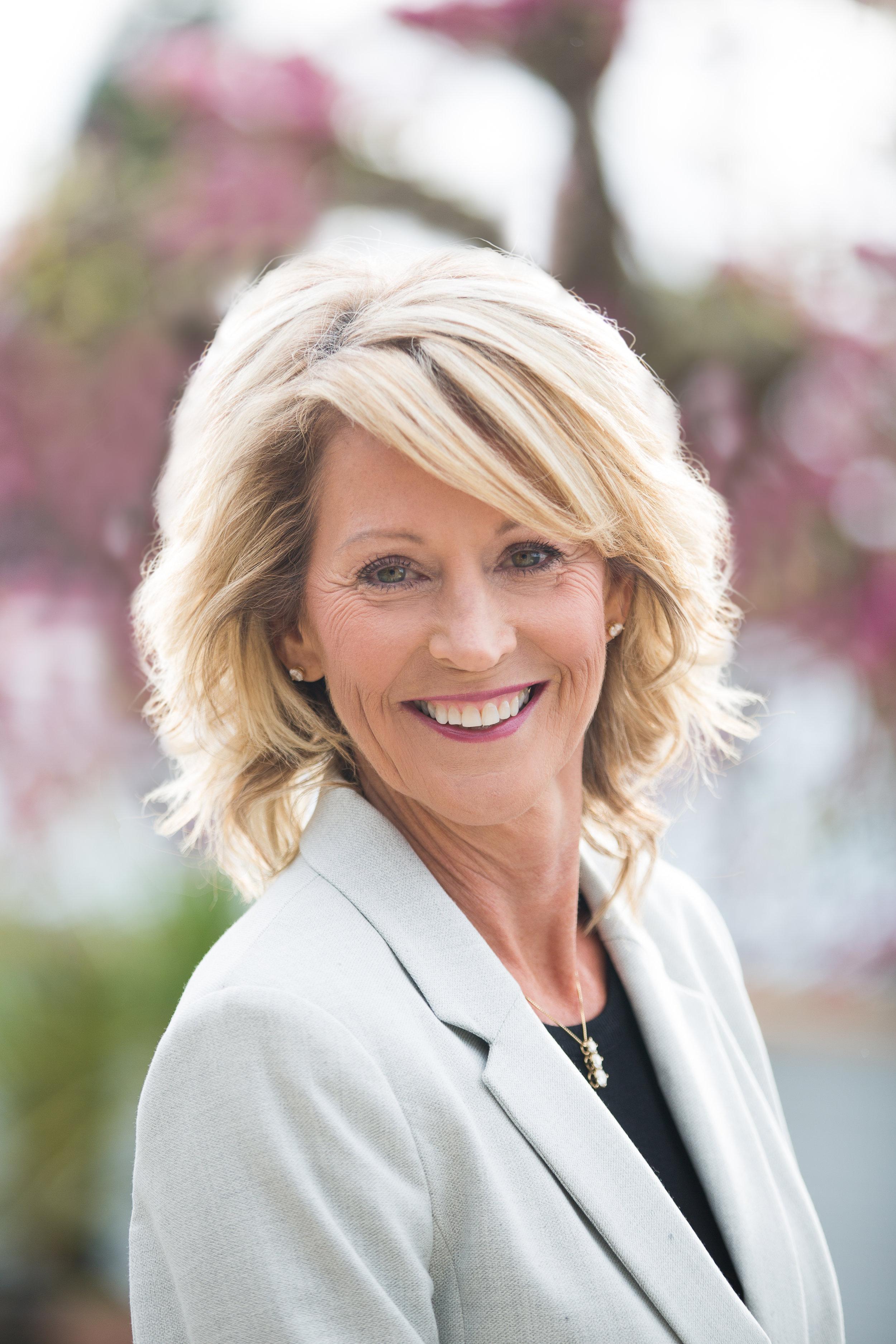 Wendy Torgeson Headshot-8915.JPG