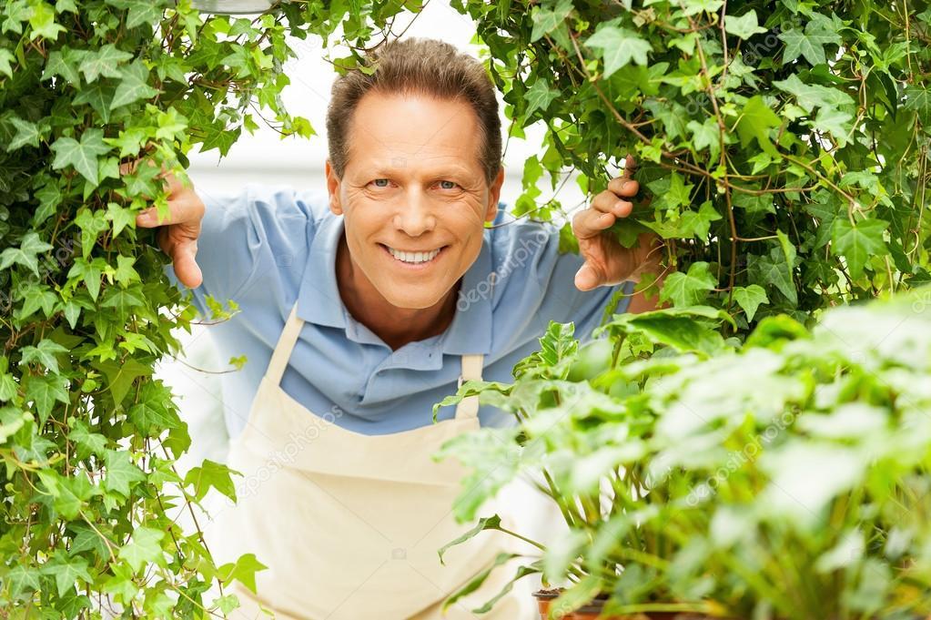 depositphotos_46177173-stock-photo-happy-gardener.jpg