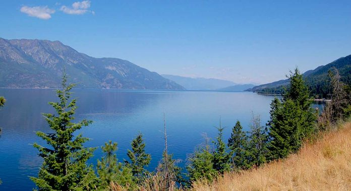 Kootenay_Lake_by-Darren-Kirby-cc-696x379.jpg