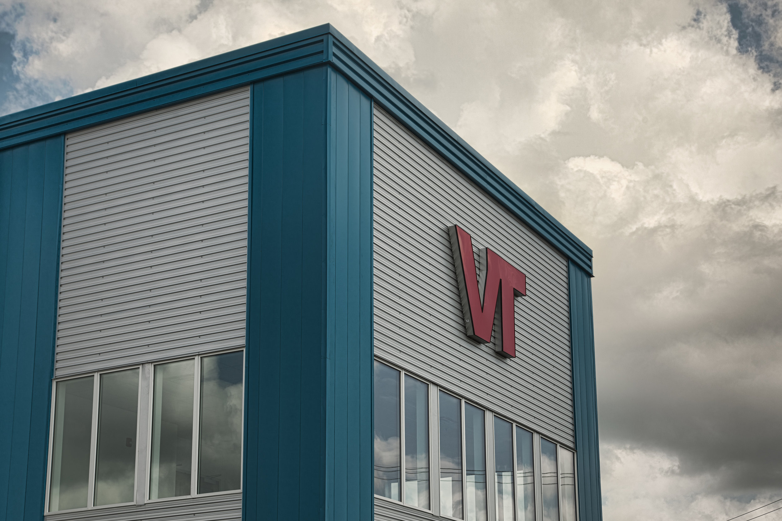 VALUE TIRE EXTERIOR 005.jpg