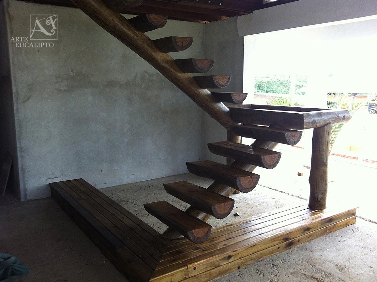 Deck + escada em Eucalipto Autoclavado