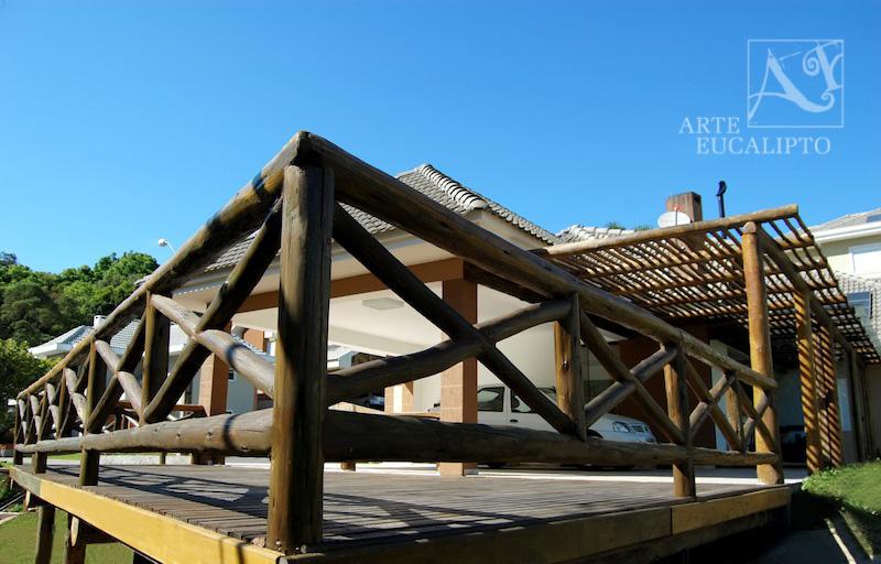 Deck mezanino condomínio , Santa Candida  - Pr