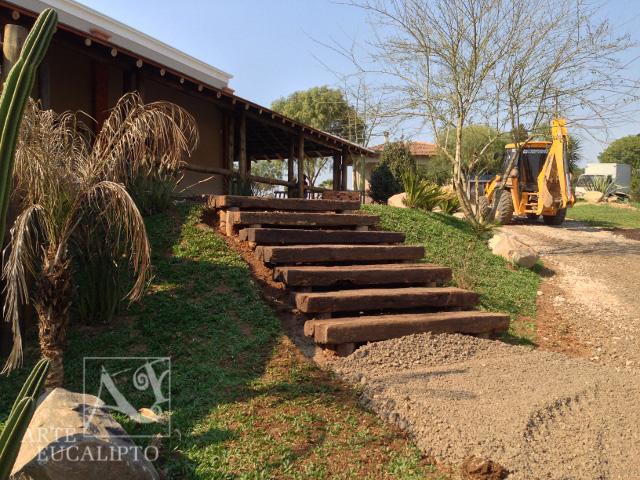 Escada em Dormentes de reciclagem , casa de campo , Contenda  - Pr