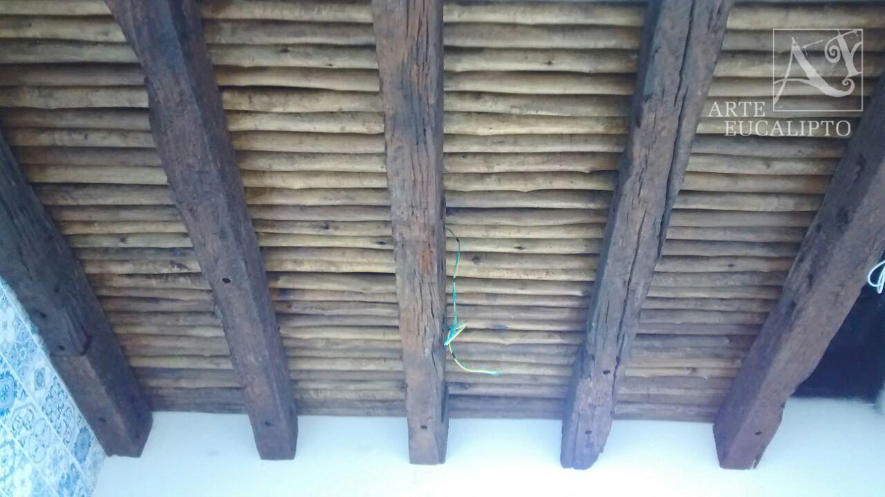Teto adega dormentes de reciclagem e troncos de Eucalipto Citriodora Autoclavado