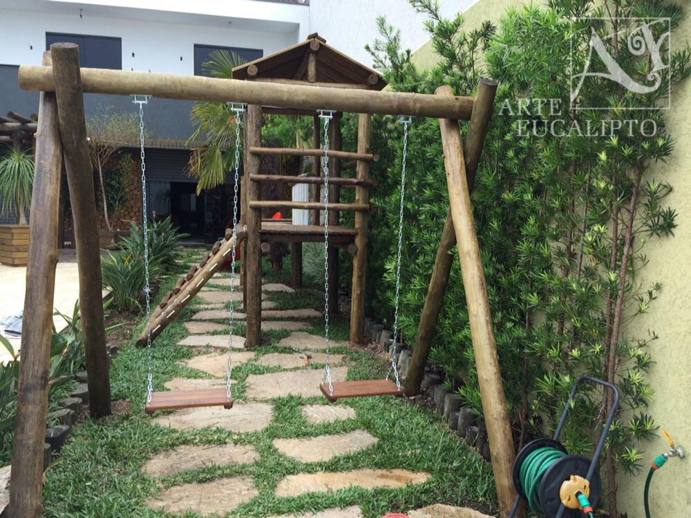 Playground em troncos de eucalipto espécie Citriodora autoclavado Capão Raso - Pr