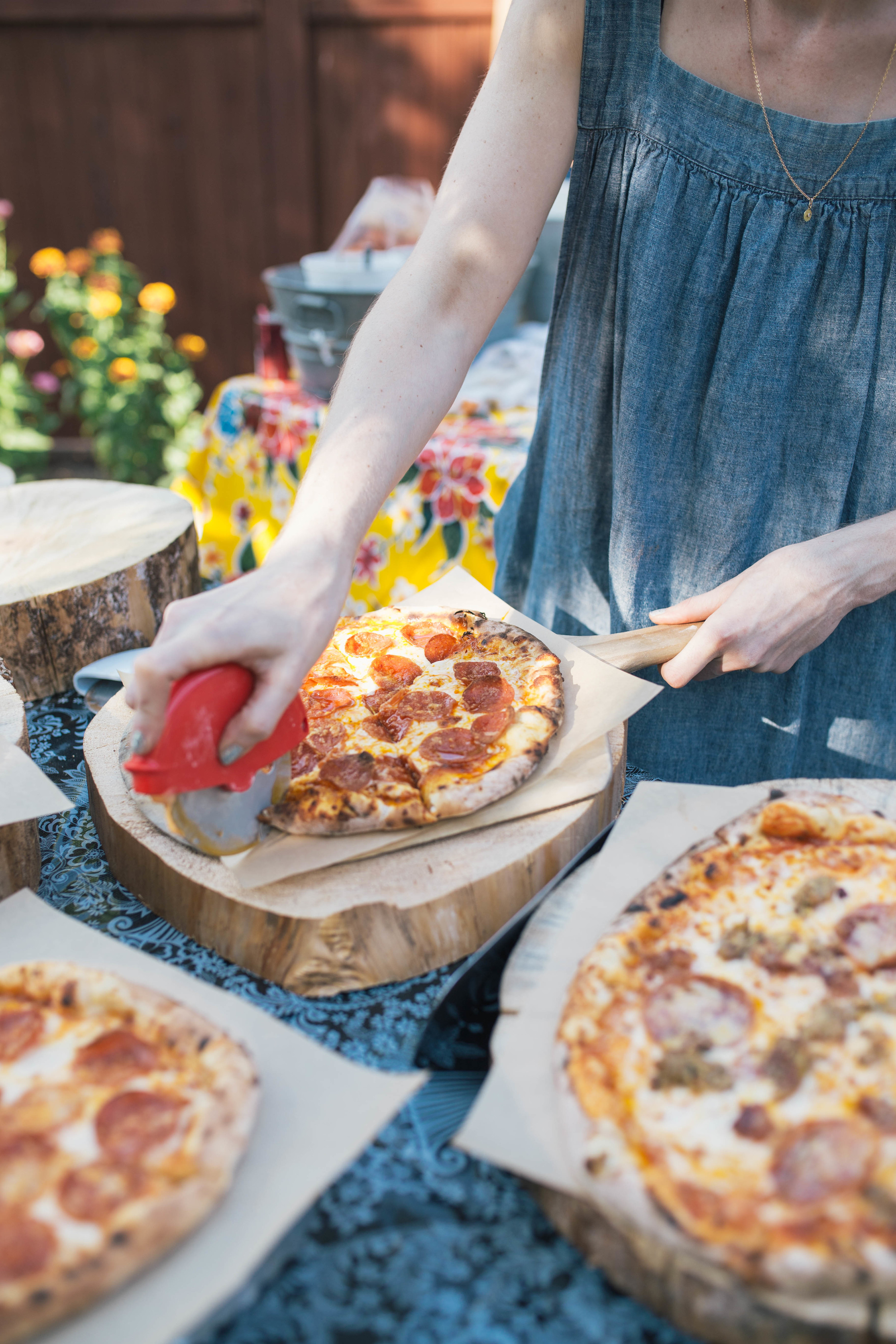 sonoma-county-wedding-photographer-backyard-details-wood-fired-pizza