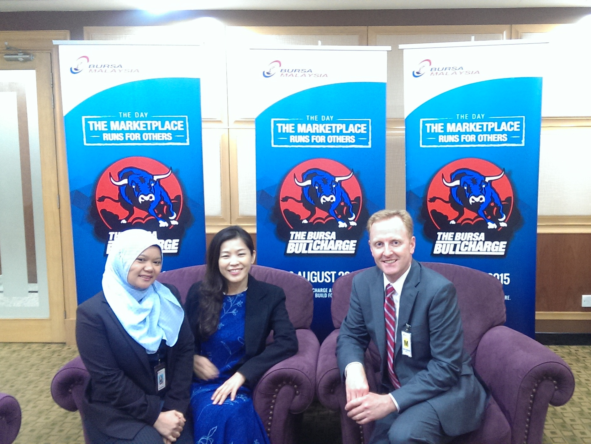 Ryan Hessenthaler with Koay Lean Lee and Rasmona Abdul Rahman of Bursa Malaysia